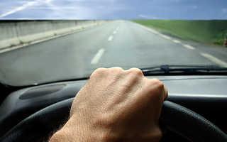 Почему дергается машина при езде